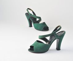 Vintage 1940s Emerald Green Suede Shoes Strappy by missfarfalla, $95.00