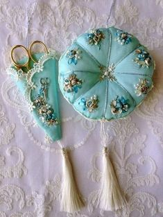Wonderful Ribbon Embroidery Flowers by Hand Ideas. Enchanting Ribbon Embroidery Flowers by Hand Ideas. Silk Ribbon Embroidery, Embroidery Stitches, Embroidery Patterns, Hand Embroidery, Sewing Patterns, Felt Crafts, Fabric Crafts, Sewing Crafts, Sewing Projects