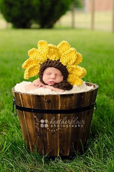 Baby Sunflower Bonnet  Photography Prop by BriarRoseCraftyThing, $27.00