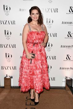 http://www.gotceleb.com/hayley-atwell-harpers-bazaar-woman-of-the-year-awards-in-london-2017-11-02.html/hayley-atwell-harpers-bazaar-woman-of-the-year-awards-01