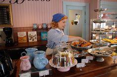 Kahvila von Guggelböö, Koiramäki - Doghill @ Särkänniemi #sarkanniemi #tampere, visit: http://www.sarkanniemi.fi