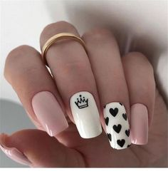 In seek out some nail designs and some ideas for your nails? Here is our set of must-try coffin acrylic nails for modern women. Summer Acrylic Nails, Best Acrylic Nails, Summer Beach Nails, Spring Nails, Nail Designs Pictures, Nail Art Designs, Nails Design, Heart Nail Designs, Nail Design For Short Nails