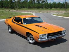 Classic Muscle Cars 1974 Plymouth Roadrunner