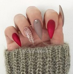 Pretty stiletto nail art idea with glitter matte stiletto nails, stiletto nail designs, Stiletto Nail Art, Matte Nails, Black Nails, Red Nails, Glitter Nails, Hair And Nails, Coffin Nails, Acrylic Nails, Red Bottom Nails