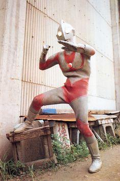イメージ5 - 屋外で撮影された新マンのスーツの画像 - 特撮つれづれの記 - Yahoo!ブログ