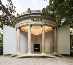 "Luc Boegly / Pavillon français pour l'Institut français et le Ministère de la Culture et de la Communication | France's ""Modernity, Promise or Menace?"" – Special Mention Winner at the Venice Biennale 2014"