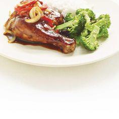 Brocoli au sésame | Ricardo Duck Sauce, Fish Sauce, Sauce Hoisin, Ricardo Recipe, Sesame, Chicken Legs, Gluten Free Chicken, Hot Sauce, Meat