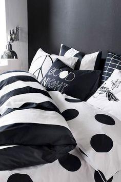 Idee per arredare la camera da letto in bianco e nero n. 15
