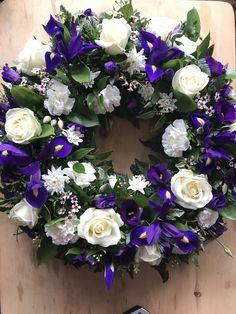 Funeral Floral Arrangements, Paper Flower Arrangements, Flower Centerpieces, Cemetery Decorations, Cemetery Flowers, Sympathy Flowers, Flower Spray, Deco Floral, Funeral Flowers