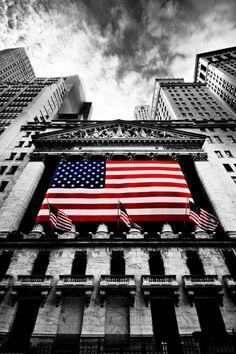 Centre névralgique de Wall Street, le NY Stock Exchange est la plus grande bourse du monde. L'institution a élu domicile dans son bâtiment actuel en 1903.