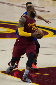 ee4aee56c84 A Detailed Look at the Nike LeBron 14 s Christmas Day Debut Page 2 of 2 -