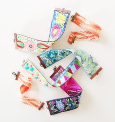 DIY: reversible ribbon cuffs