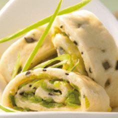 Cloud ear mushroom rolls recipe