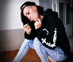 Kick it bongs | Marijuana Model | ig: sayh_vibrations