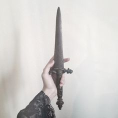Maybe not a shiny, wicked looking dagger. Maybe a very old dagger, soaked in evil. Eddard Stark, Sansa Stark, Story Inspiration, Writing Inspiration, Jeaniene Frost, Sainte Rita, Castlevania Netflix, Captive Prince, His Dark Materials