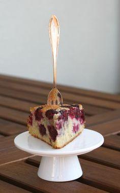 Blackberry cake à la Jamie Oliver - WordPress Sitesi Jamie Oliver, Blackberry Cake, Wordpress, Sweet Bakery, Dessert Recipes, Desserts, Cakes And More, Sweet Recipes, Good Food