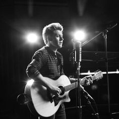 Oh my gosh guys I cried like a baby he's so beautiful and I'm so proud of him ❤️  This Town (Live, 1 Mic 1 Take) - Niall Horan - Vevo