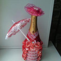 17 отметок «Нравится», 1 комментариев — утенкова алена (@elenutenkova) в Instagram: «#бутылкашампанского#декор#ручнаяработа#подарокколлеге#новосибирск#обь»