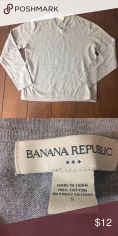 Banana republic sweater Men's size small grey 100% cotton sweater. Light wear. Measurements are flat across as follows: chest, 21 inches, length 24 inches and under sleeve is 17 1/2 inches. Banana Republic Sweaters V-Neck