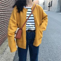 Mens cardigan sweaters are now popping up in the trendiest stores around the world. Korean Girl Fashion, Korean Fashion Trends, Ulzzang Fashion, Korean Street Fashion, Korean Outfits, Mode Outfits, Yellow Cardigan Outfits, Estilo Cool, Modele Hijab