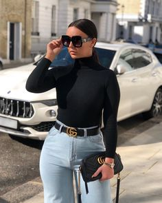 15 Flirty Outfits To Wear For Spring 2019 Girly Outfits, Chic Outfits, Fashion Outfits, Fashion Books, Fashion News, Curvy Jeans, Model Street Style, Affordable Clothes, Beautiful Outfits