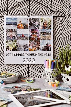 DIY | Kalender-Gestaltung mit Fotos & Zeichen-Apps - let's doodle through the year | kreative Fotobearbeitung mit dem Zeichenprogrammen | enthält Werbung | luziapimpinella.com Diy Kalender, Photo Wall, Gallery Wall, Apps, Frame, Home Decor, Pictures, Christmas Tumblr, Photo Calendar