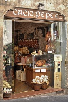 Italy Vacation, Italy Travel, Shopping Travel, Vitrine Design, Germany And Italy, Italy Tours, Shop Fronts, Little Italy, Turin