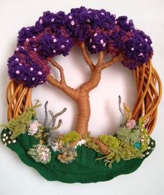 Dorset Buttons, Craft Activities, Grapevine Wreath, Diy And Crafts, Hands, Wreaths, Christmas Ornaments, Holiday Decor, Crochet
