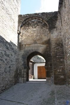 Murallas de Úbeda. Jaén. Spain Holidays, Andalusia, Seville, Spain Travel, Betty Boop, Granada, Best Hotels, Trip Planning, Medieval