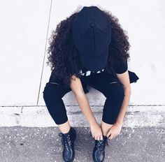 Hair Care Tips, Riding Helmets, Curly, Poses, Wolf, China, Outfits, Instagram, Fashion