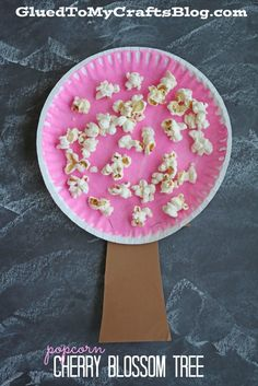 Paper Plate Popcorn Cherry Blossom Tree Kid Craft - It's absolutely perfect for your spring celebrations and super simple & fun for all ages. Daycare Crafts, Classroom Crafts, Toddler Crafts, Preschool Crafts, Preschool Ideas, Craft Ideas, Spring Crafts For Kids, Spring Projects, Summer Crafts