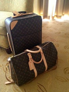 f7a7703cccaf louis vuitton luggage  Louisvuittonhandbags Hermes Handbags