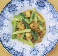 Rezept: Pfannengerührtes vietnamesisches Huhn mit Zitronengras von Bill Granger - GF Luxury