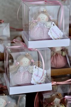 Souvenir Doll sachet with box at Homemade Dolls, Lavender Bags, Free To Use Images, Baby Wedding, Holly Hobbie, Christmas Decorations, Christmas Ornaments, Toy Boxes, Fabric Dolls