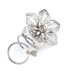 Exquisite Diamante Dragonfly Decorated Openwork Flower Pattern Loopy Ring For Women