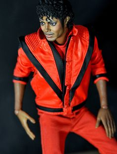 Michael Jackson, Thriller Hot Toys Repaint by Noel Cruz once upon a time my daughter had this.it disappeared.