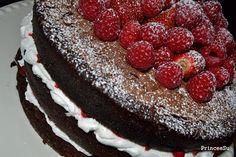 O Mundo da PrincesSu: Bolo de Aniversario - Chocolate e Frutos Vermelhos