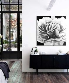 cuadros modernos en negro, cuadros de flores, cuadros de peonias, puedes ver mas en tienda cuadros delier Painted Canvas, Paintings, Neutral Colors, Modern Paintings, Author, Tent, Black