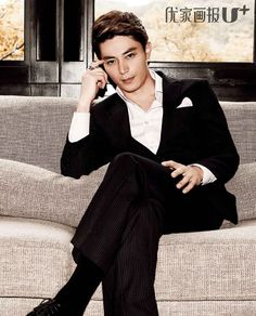 Chinese actor, Wallace Huo - he's the lead in current Cdrama, Love Me If You Dare, and he's SO good in it.