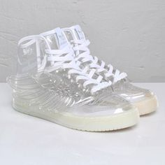 596e8f3ca23370 10+ Times See Through Plastic Fashion Trend Went Too Far - bemethis Jelly  Shoes