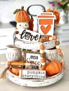 Thanksgiving Decorations, Seasonal Decor, Holiday Decorations, Pumpkin Candles, Pintura Country, Tiered Stand, Beaded Garland, Fall Diy, Fall Home Decor
