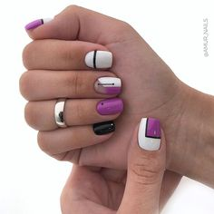 The advantage of the gel is that it allows you to enjoy your French manicure for a long time. There are four different ways to make a French manicure on gel nails. Classy Nails, Stylish Nails, Simple Nails, Cute Nails, Nail Art Designs, Pretty Nail Designs, Nails Design, Pretty Nail Colors, Pretty Nails