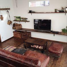 男性で、3LDK、家族住まいのjournal standard Furniture/ランタン/いなざうるす屋さん…などについてのインテリア実例を紹介。「キッチン、クローゼットと同じ木箱をリビングにも使用しています。オムツやらすぐ取り出す物が入っています。」(この写真は 2015-02-23 19:11:27 に共有されました)