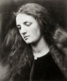 Portrait of Annie Chinery by Julia Margaret Cameron At the age of 18 Annie Chinery married Cameron's son, Ewen. Cameron's photographic portraits are considered among the finest in the early history of photography. Julia Margaret Cameron Photography, Julia Cameron, History Of Photography, Portrait Photography, Vintage Photographs, Vintage Photos, Vintage Portrait, Modern Photographers, Pre Raphaelite