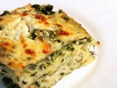 Spinach, Ricotta & Pesto Lasagna Recipe , Its turning colder outside, time for true comfort food! Best Vegetarian Lasagna, Vegetable Lasagna Recipes, Vegetarian Recipes, Cooking Recipes, Healthy Recipes, Vegetable Lasagne, Healthy Lasagna, Healthy Meals, Vegetarian Pesto