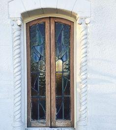 Have a happy Friday! #stainedglass #exterior #filmlocation #furstcastle #losangeles #california #eventvenue
