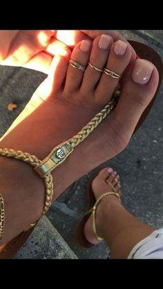 Untitled : Photo Pretty Toe Nails, Cute Toe Nails, Pretty Toes, Beautiful Sandals, Beautiful Toes, Sexy Sandals, Bare Foot Sandals, Feet Soles, Women's Feet