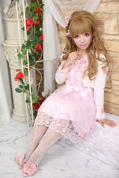 "•○~ Hime Gyaru, 姫ギャル, ""princess girl"" ♥ La Pafait - dress - lace - tights - heels - roses - flowers - bolero - ribbons - pink - kawaii - Japanese street fashion✮ ~•○"