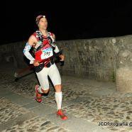Gran Trail Peñalara 2013: Mikel Leal cruzando el Puente del Perdón (k50)