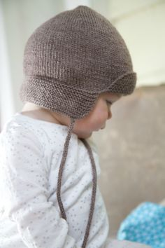 4ply Baby Hunter Hat Pattern - Baby Cakes by Little Cupcakes - Bc47
